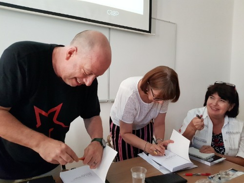 website_book signing in Dubrovnik